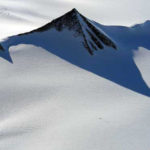 南極の人口ピラミッド
